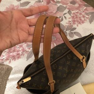 Louis Vuitton Bags - **SOLD** Louis Vuitton Totally MM